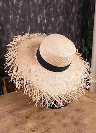 Соломенная шляпа • солом'яний капелюх