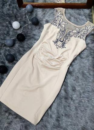 Платье футляр чехол с вышивкой lipsy london