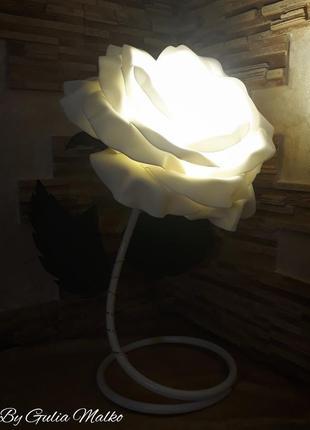 Светильник в виде розы