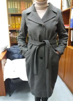 Пальто  с австрии  hugo boss.