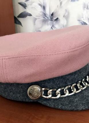 Кепка розовая шерстяная с серым козырьком картуз