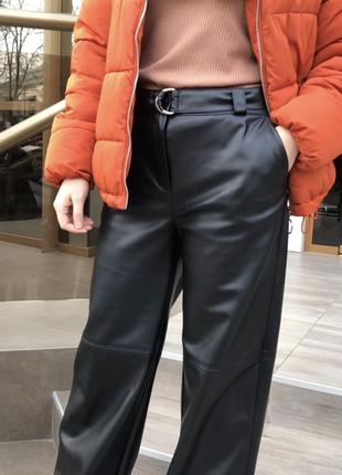 Кожаные брюки5 фото