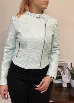 Новая куртка из эко-кожи clockhouse