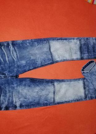 Стильные женские джинсы скинни fb sister где-то на 34-36 р в прекрасном состоянии