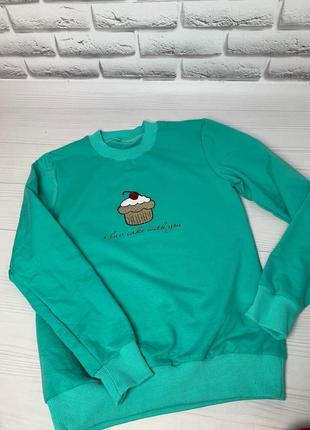 Свитшот женский,мятного цвета с принтом пирожное.распродажа!!!