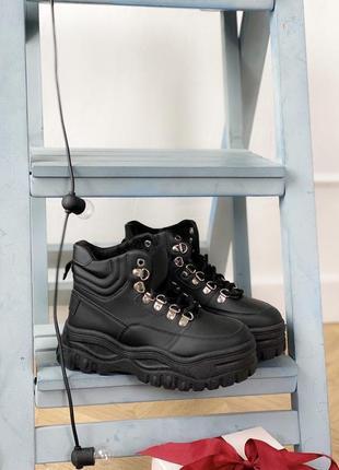Ботинки черные массивные