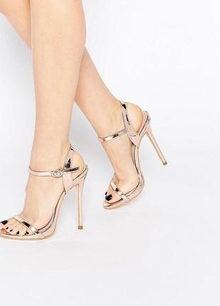 Легкие золотистые сандалии босоножки на каблуке public desire sparra