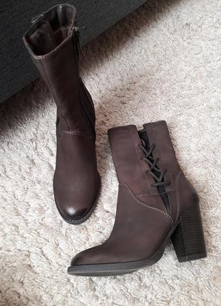 Кожаные красивые сапоги ботинки tamaris