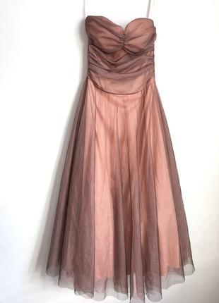 Пышное пудровое фатиновое платье миди бандо