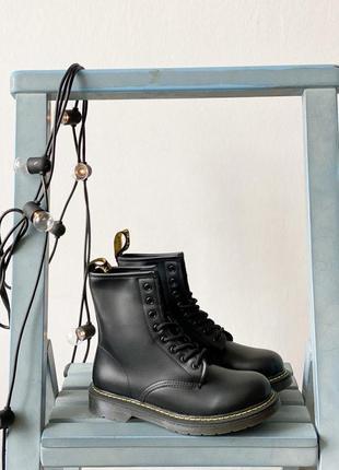 Ботинки мартинсы черные