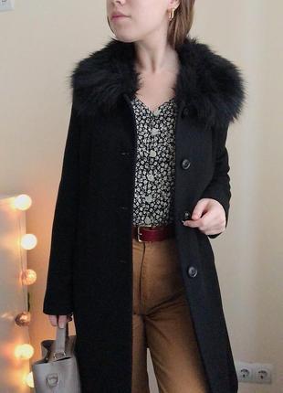 Элегантное чёрное демисезонное пальто с шерстью
