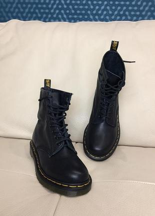 Кожаные оригинальные ботинки dr. martens 1460