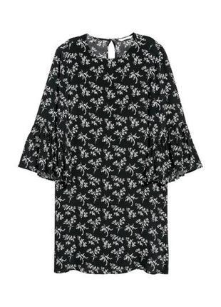 H&m вискозное платье свободного кроя с расклешенным рукавом, р.36