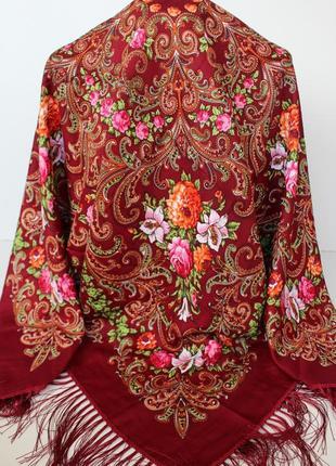 Платок бордовый в народном стиле