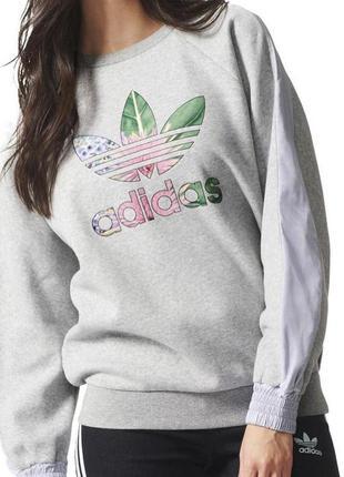Серый свитшот реглан adidas с цветочным логотипом