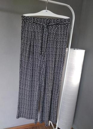Розпродаж! очень стильные, мягкие, прямые брюки next