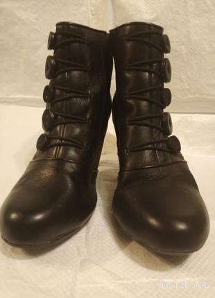Отличные/ кожаные /женские /полусапожки/ботиночки clarks