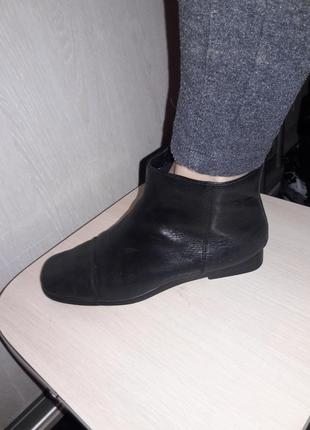 Ботиночки продам.