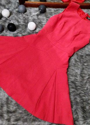 Платье из костюмной ткани oasis