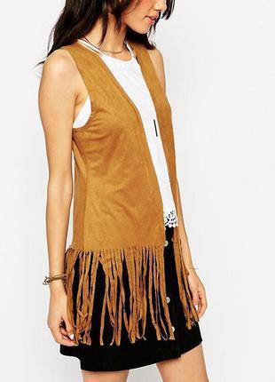 Горчичный оранжевый коричневый жилет замшевый с бахромой new look