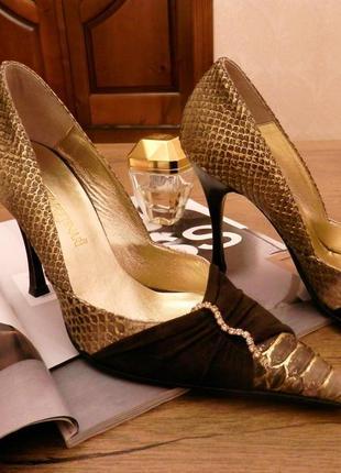 Эксклюзивные дизайнерские туфли бренд loretta pettinari з кожа питона, swarovski оригінал