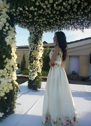 Продам ексклюзивну сукню! на випускний, весілля.