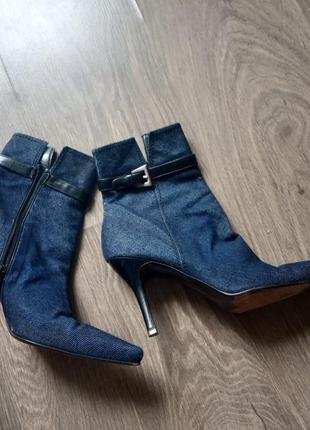 Ботинки джинс на каблуке
