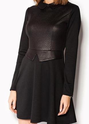 Коктейльное вечернее деловое платье черное расклешенное с воротничком cardo