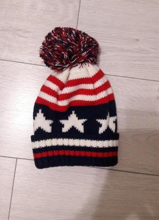 В наличие тёплая шапочка, принт американский флаг! возраст 4-8лет,по скидке!
