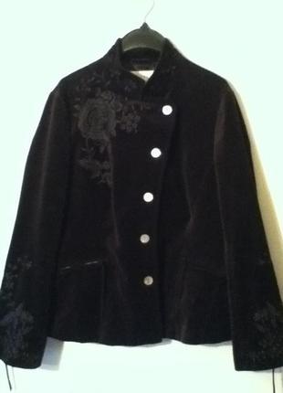 Пиджак 54 размера .(бархат-велюр с вышивкой.) 100 %хлопок.