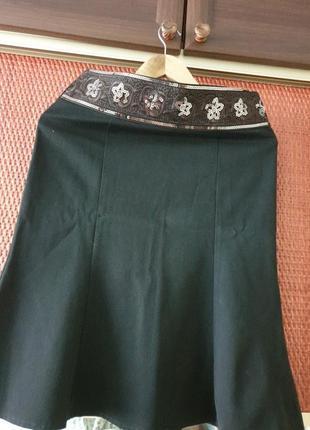 Юбка стильная с вышивком паетками