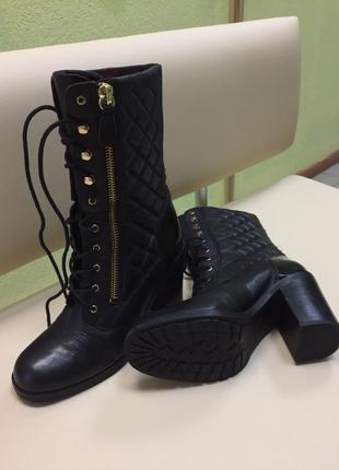 Кожаные ботинки фирмы guess