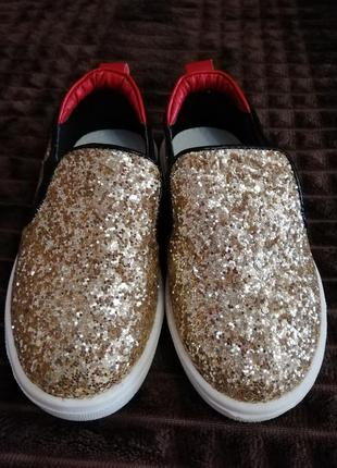 Слипоны, туфли, кеды, макасины