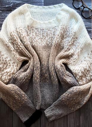 Очень стильный женский свитер /оверсайз