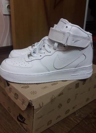 Новые кросовки унисекс nike air force 1mid white