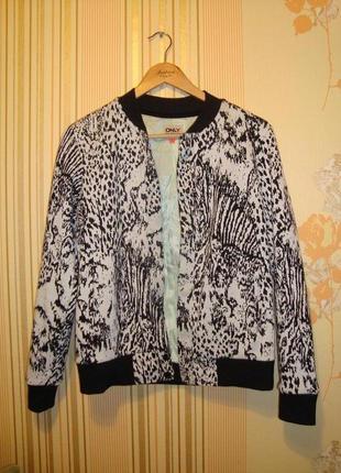 Трикотажная курточка-бомбер