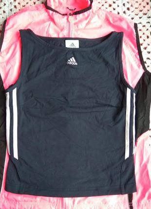 Спортивная одежда adidas