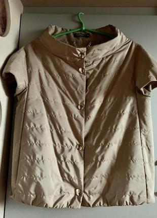 Куртка/ветровка/жилетка бежево-золотистого цвета