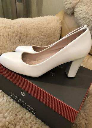 Туфли белые свадебные кожа