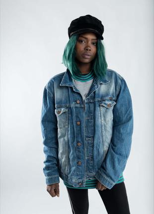 Винтажная джинсовая куртка оверсайз