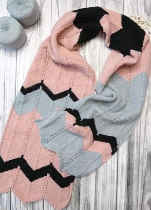 Красивый вязаный шарф, элегантный палантин.