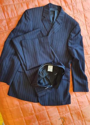 Великолепный мужской костюм!! размер: 48-50.
