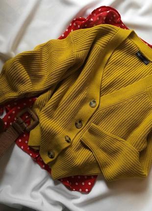 Стильний светр з ґудзиками m&s