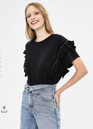 Новая чёрная футболка с рюшами