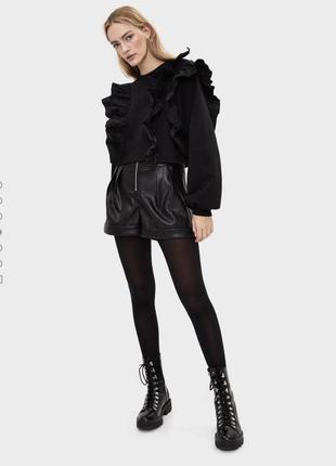 Шикарный новый чёрный свитшет с рюшами 💔3 фото