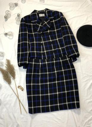 Клетчатый шерстяной костюм с юбкой