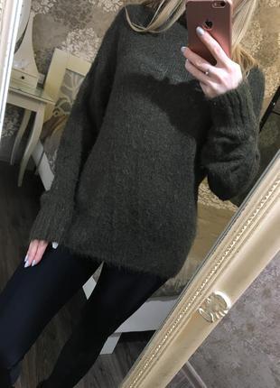 Длинный свитер хаки мягкий и пушистый