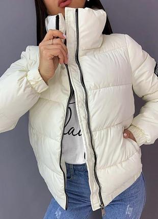 Новая белая дутая куртка синтепоновая дутая