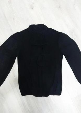 Черная блуза с шифоновыми рукавами
