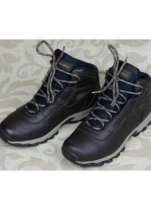 Кожаные непромокаемые ботинки columbia newton ridge оригинал на мальчика 38р. 24,5 см.